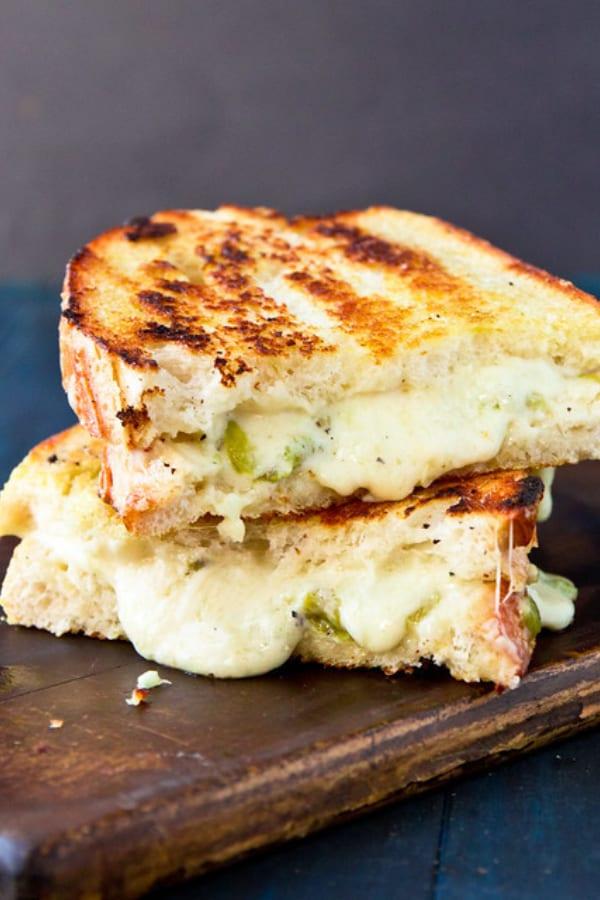 Cheesy Chile Sandwiches
