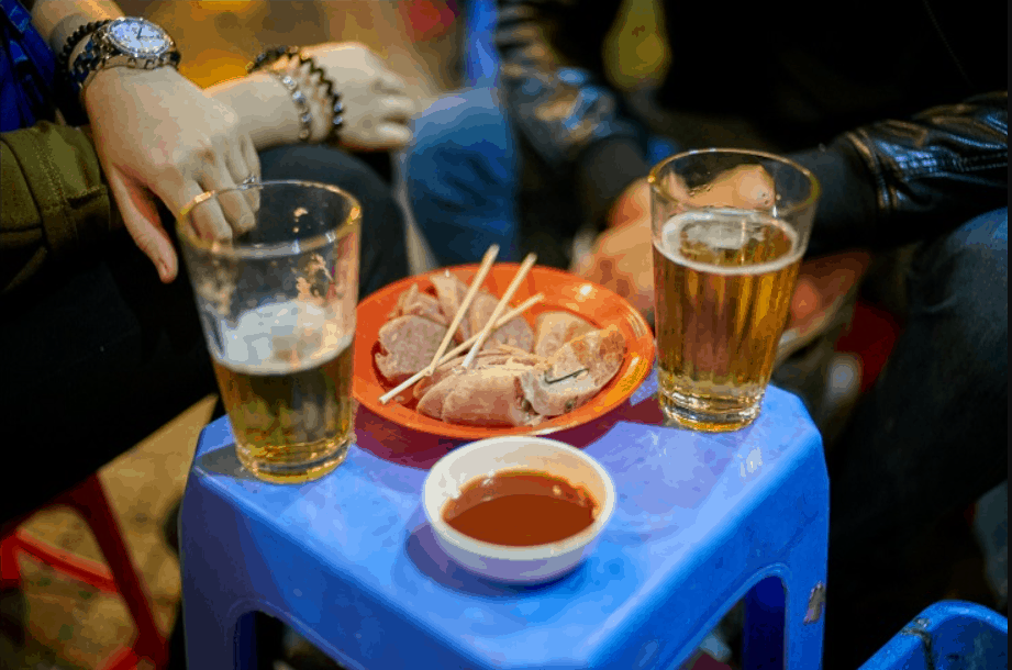 "Asian Street Food Bia Hơi, ""Fresh Beer"", Bia Hơi Corner, Hanoi, Vietnam"