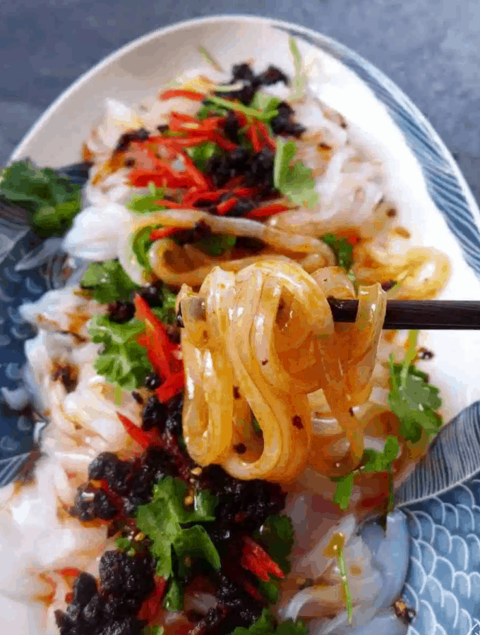 Chinese Street Food Liang Fen (Noodle Jelly in Red Oil)