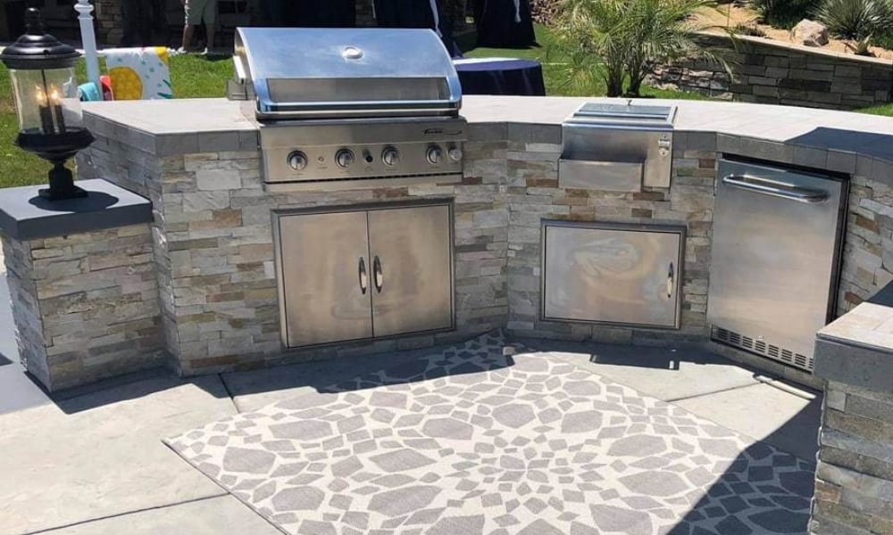 DIY Outdoor Kitchens