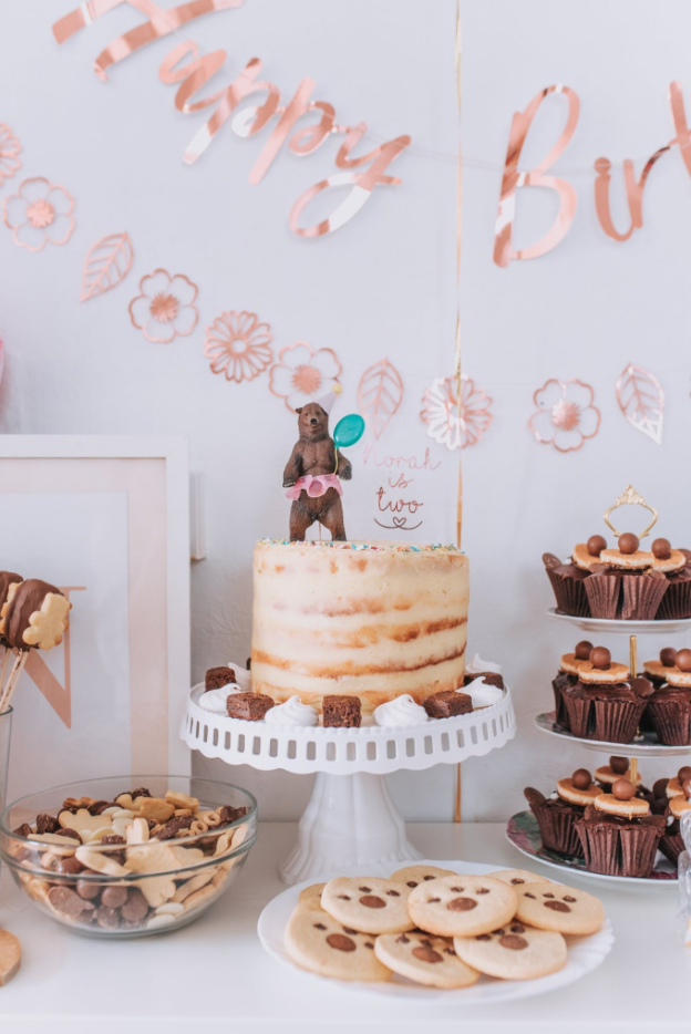 DIY Party Animal Cake Topper