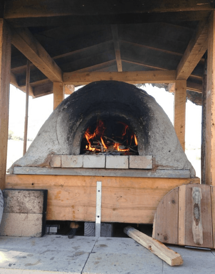 DIY Wood-Fired Outdoor Pizza Oven