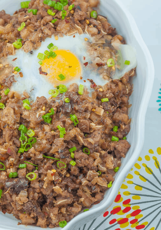 Filipino Street Food Sisig