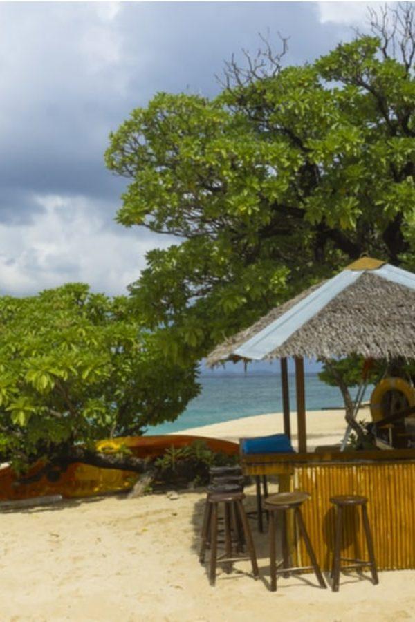21 Homemade Tiki Bar Plans You Can DIY Easily