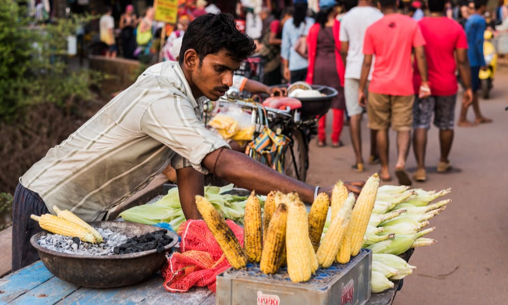 Indian Street Food Bhutta (Roasted Corn Cob)