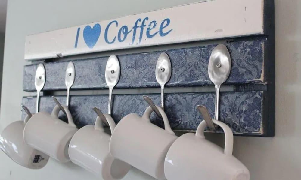 PALLET COFFEE MUG HOLDER WITH SPOON HOOKS