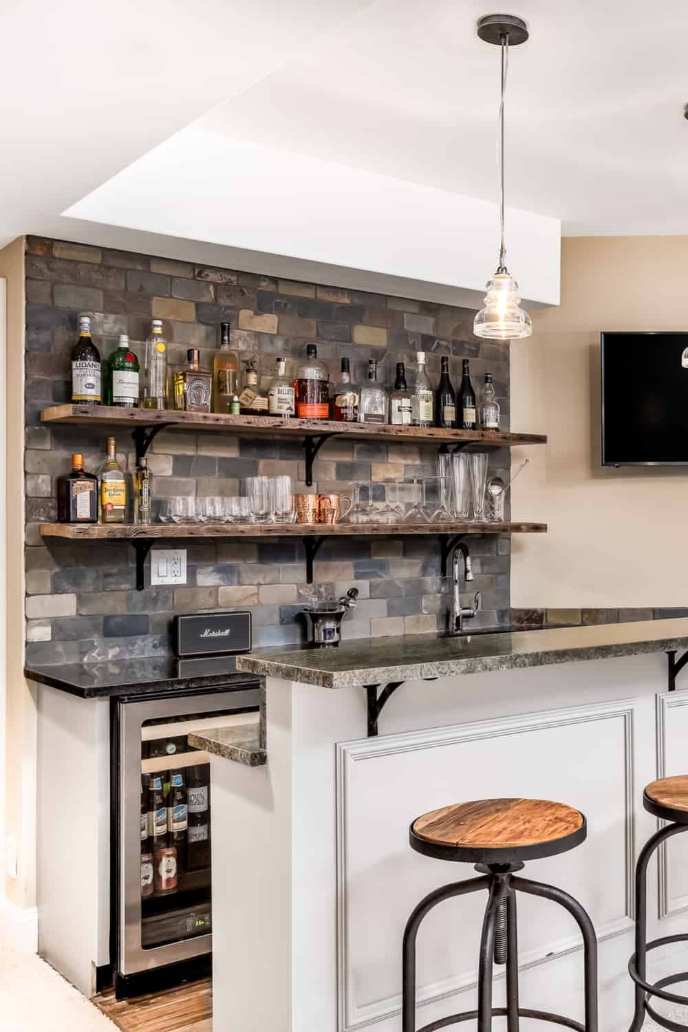 17 Homemade Basement Bar Plans You Can Build Easily