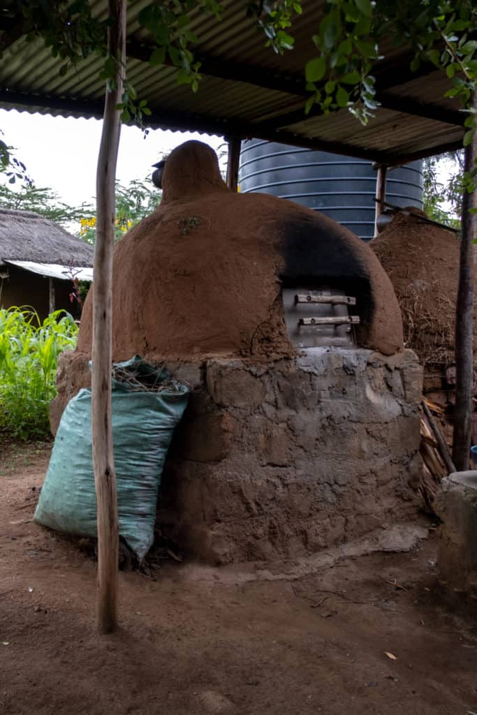 19 Homemade Earth Oven Plans You Can Build Easily