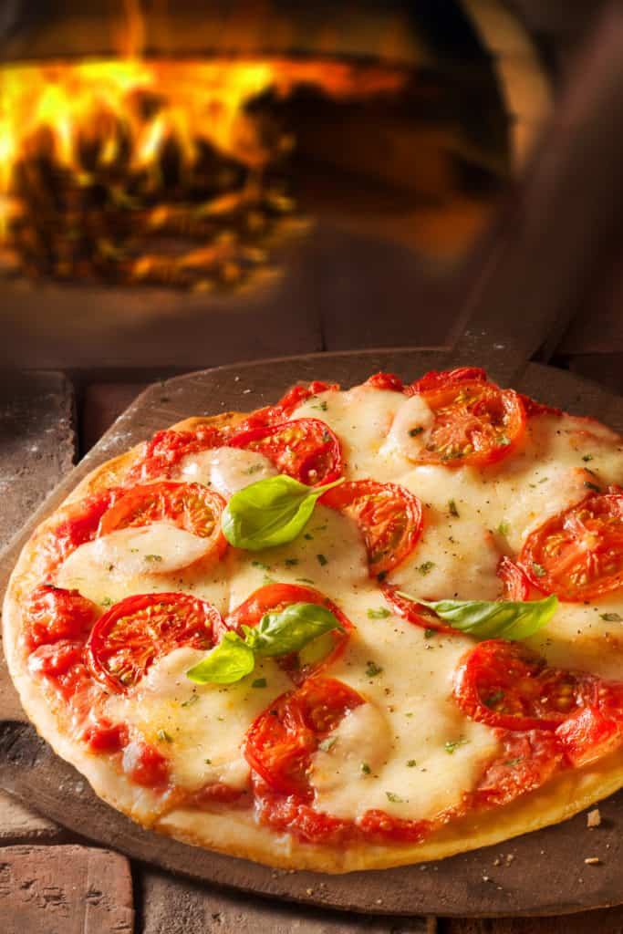 19 Homemade Pizza Stone Plans You Can DIY Easily