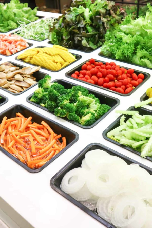 19 Homemade Salad Bar Plans You Can DIY Easily