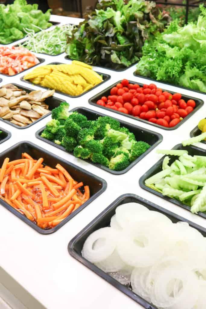 19 Homemade Salad Bar Plans You Can DIY Easily