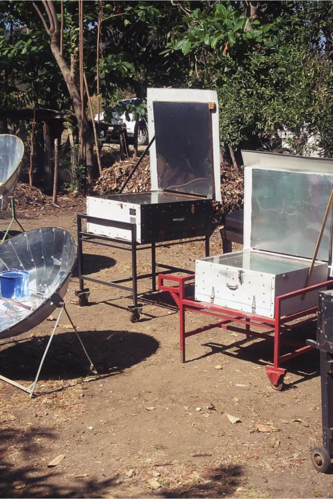 19 Homemade Solar Oven Plans You Can DIY Easily