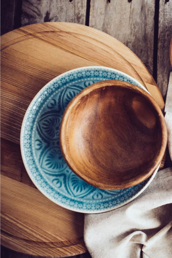 19 Homemade Wooden Bowl Plans You Can DIY Easily