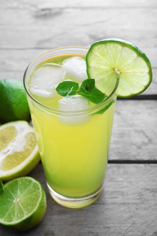 4 Tips To Tell If Lemon Juice Has Gone Bad