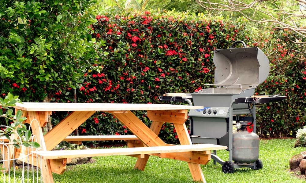 Building a Cooking Table for Your Ceramic Grill