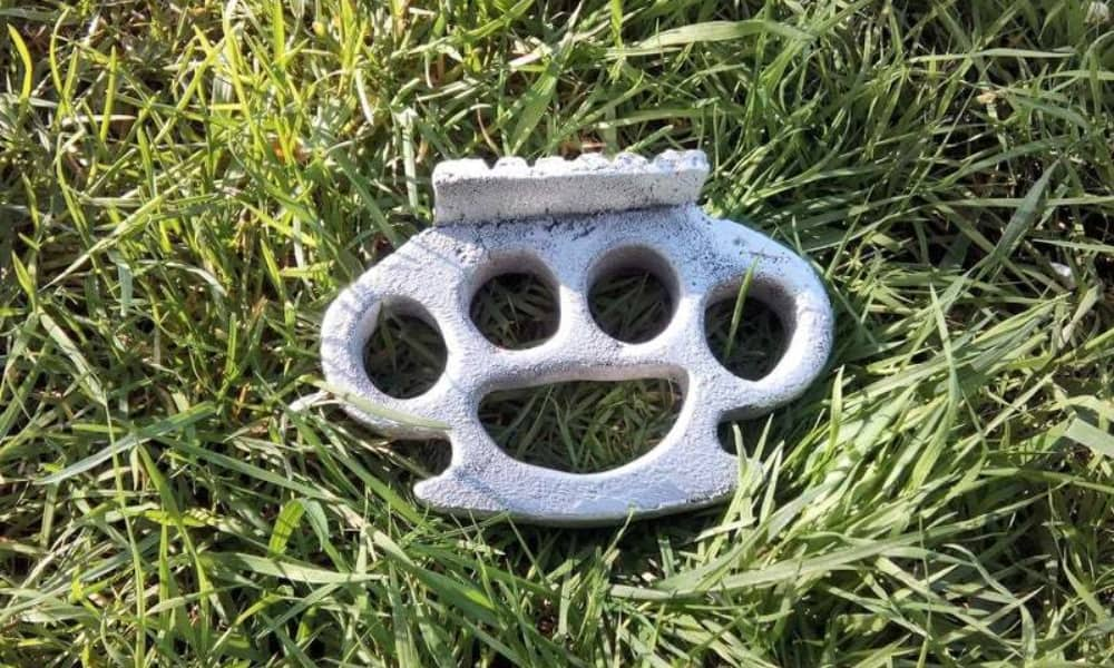 Casting Knuckle-Duster or Meat Hammer. Aluminum Melting and Casting