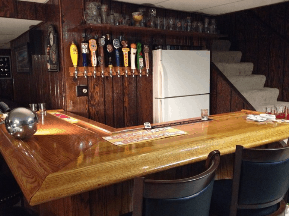 DIY – How to Build Your Own Oak Home Bar