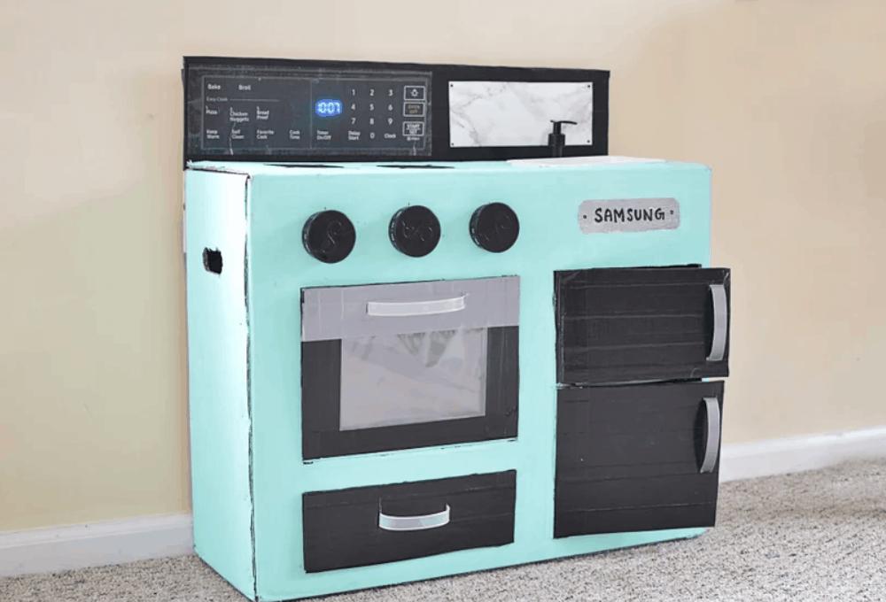 DIY Cardboard Kids' Play Kitchen