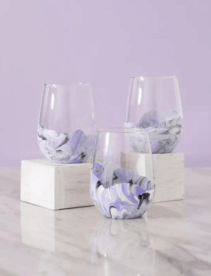 DIY Easy Painted Marble Wine Glass Gifts