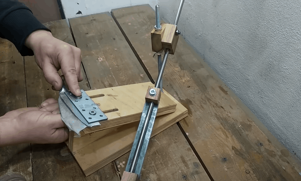 Homemade Sharpening Jig for Knives, Scissors and Chisels