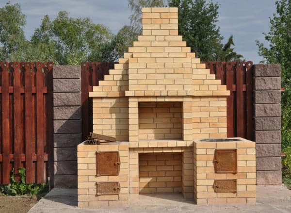 How to Build a Backyard BBQ Pit