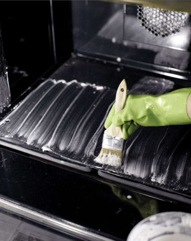 How to Deep Clean Your Oven with Baking Soda