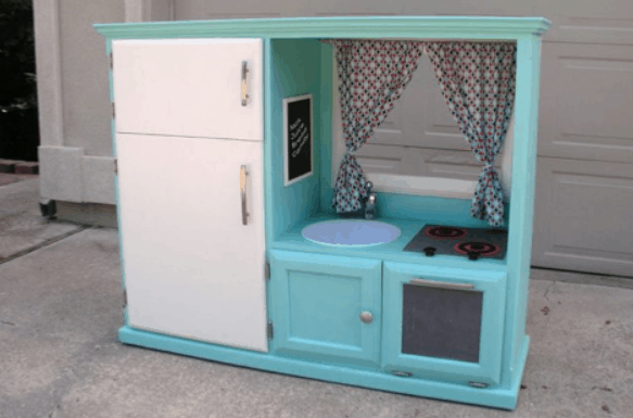 How to Make a Play Kitchen For Your Kids