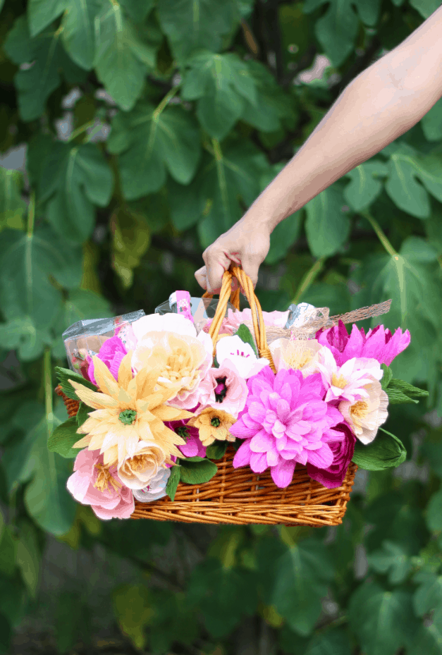 Make Your Own Floral Picnic Basket