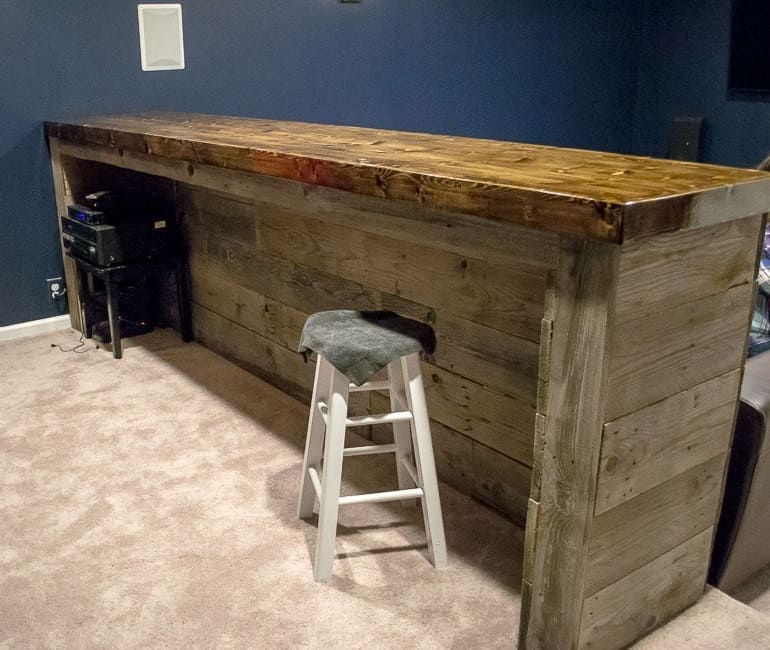 Man Cave Wood Pallet Bar 1