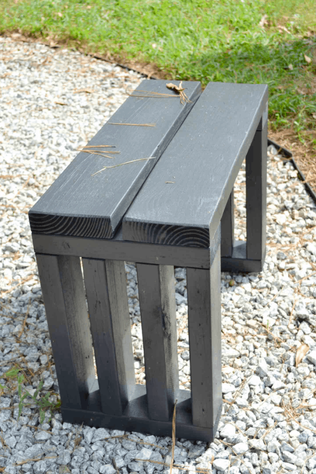 Scrap Wood Outdoor Bench Seat DIY garden bench plans