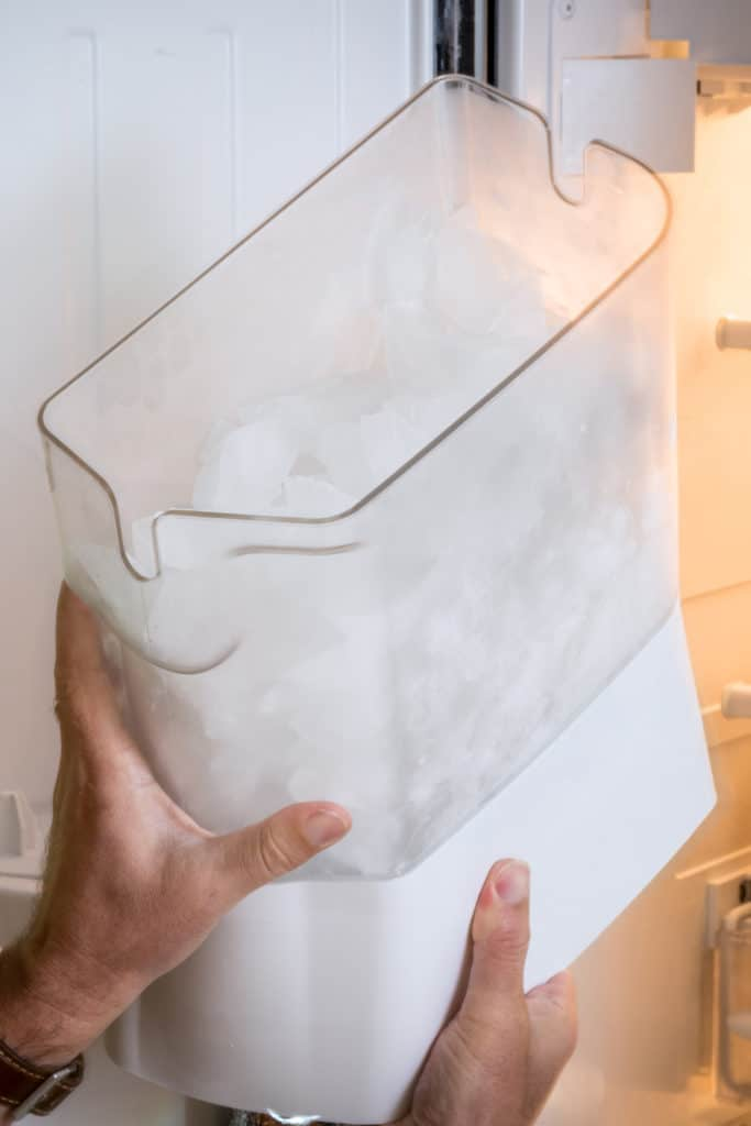 15 Homemade Ice Maker Plans You Can DIY Easily