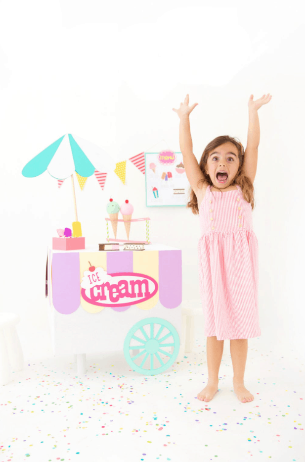 DIY Cardboard Box Ice Cream Cart