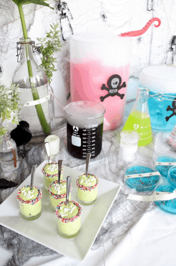 Using Dry Ice for Drink Effects