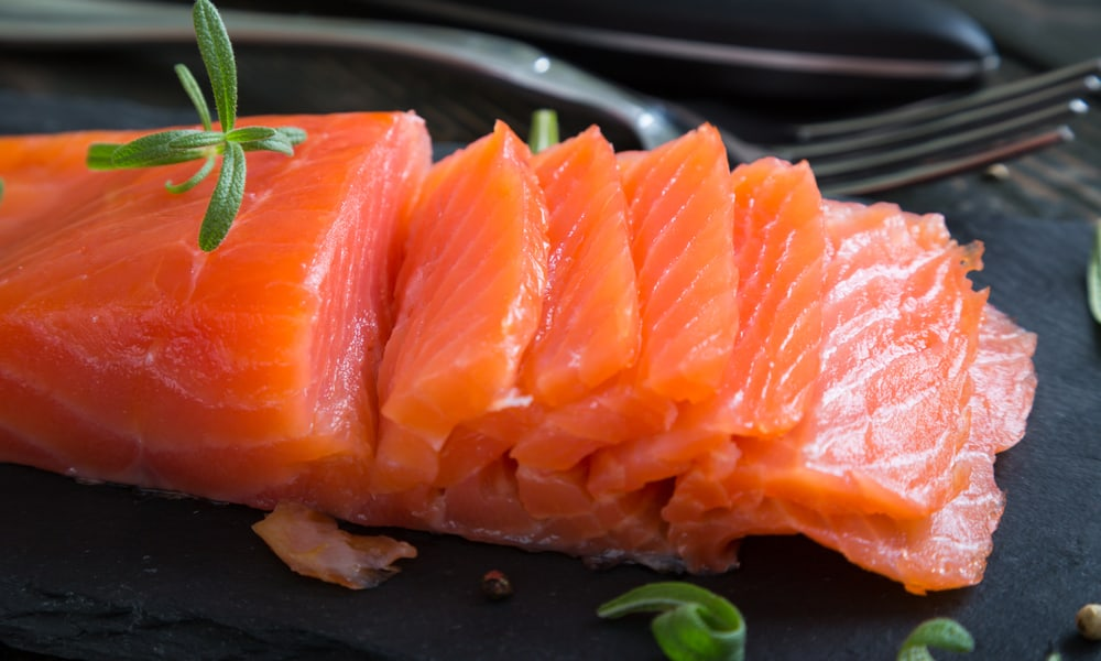 4 Tips to Tell If Smoked Salmon Has Gone Bad