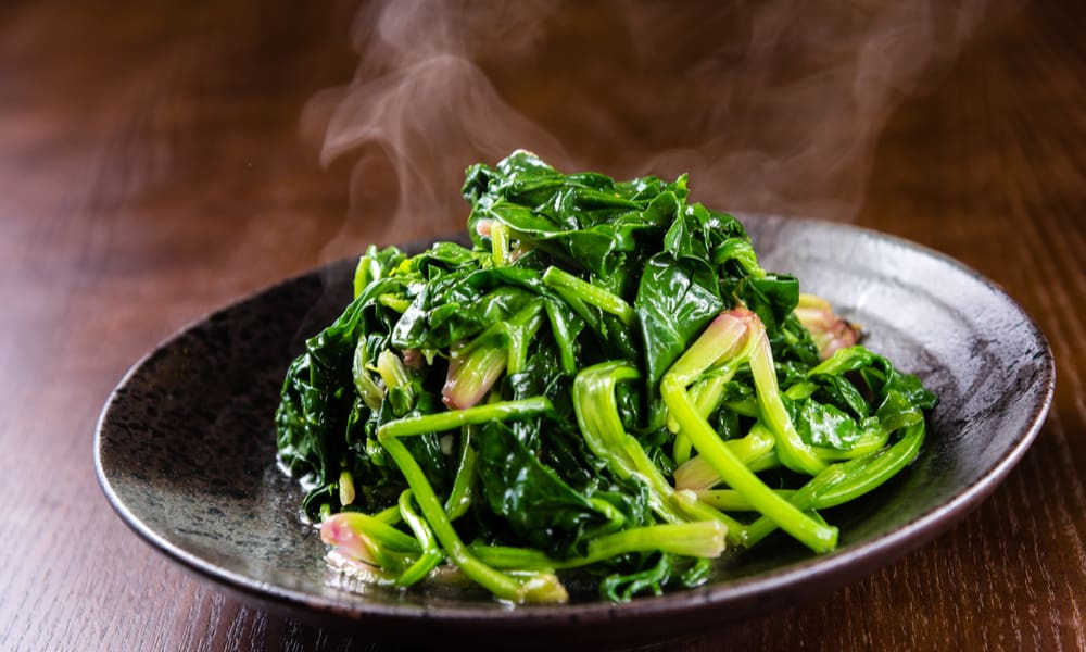 The Risk of Consuming an Expired Spinach